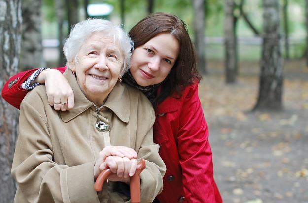 Obniżanie wieku emerytalnego to wbrew trendowi demograficznemu /©123RF/PICSEL