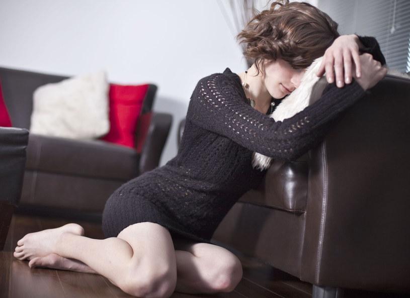 Obniżenie nastroju czy depresja /123RF/PICSEL