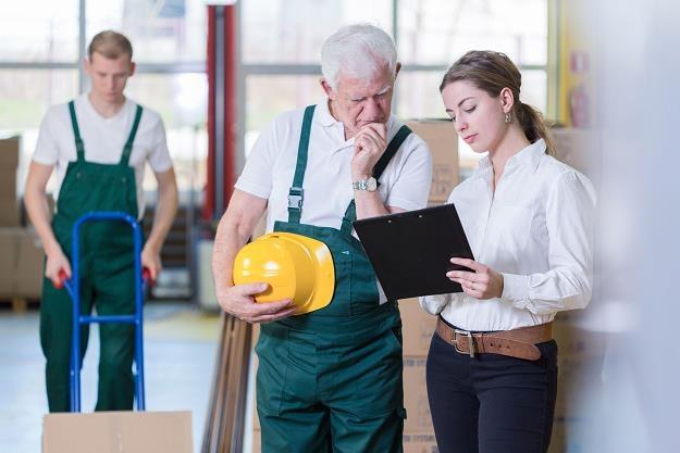 Obniżenie wieku emerytalnego: Zmieni się system ochrony przed zwolnieniem /©123RF/PICSEL