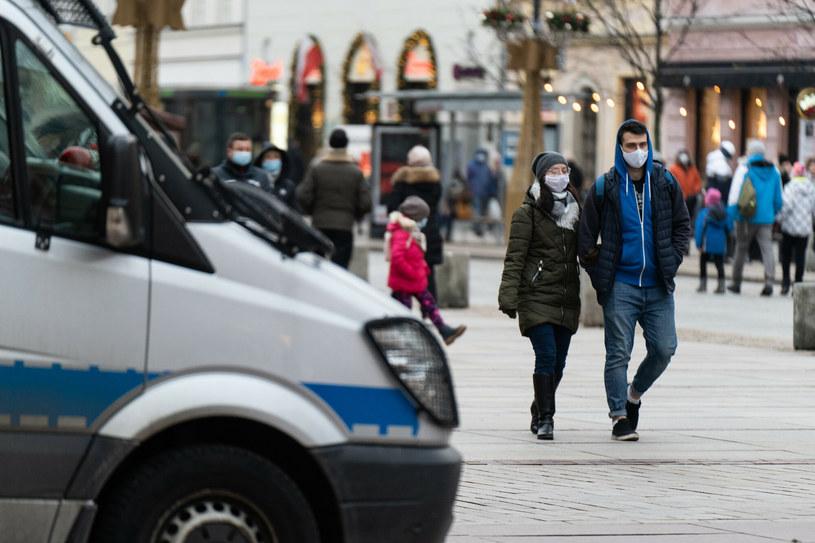 Obostrzenia epidemiczne będą przedłużone do 31 stycznia /Jakub Wosik  /Reporter