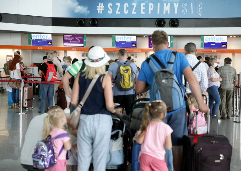 Obowiązkowa kwarantanna dla podróżnych z Wielkiej Brytanii /Jakub Kaminski/ /East News