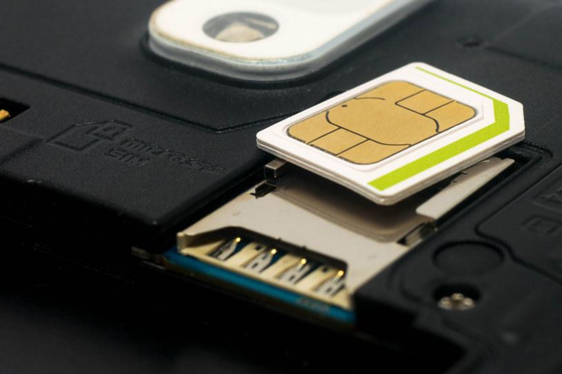 Obowiązkowa rejestracja kart SIM nadal wiąże się z wieloma pytaniami /123RF/PICSEL