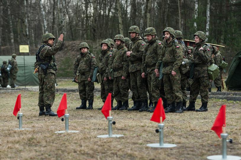 Obowiązkowe szkolenie dla rezerwistów /Maciej Jarżębiński /Agencja FORUM