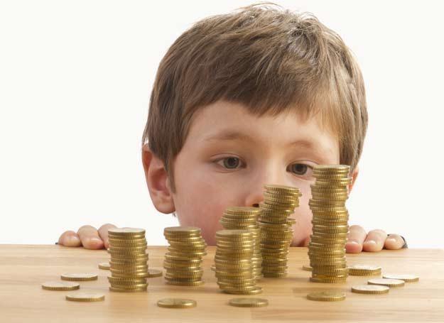 Obowiązujący w Polsce system w ekonomiczny dyskryminuje postawy, które sprzyjałyby dzietności /©123RF/PICSEL