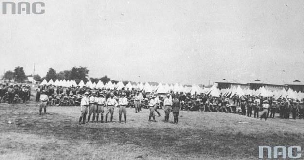 Obóz dla ochotników do Armii Polskiej w Niagara w Kanadzie /Z archiwum Narodowego Archiwum Cyfrowego