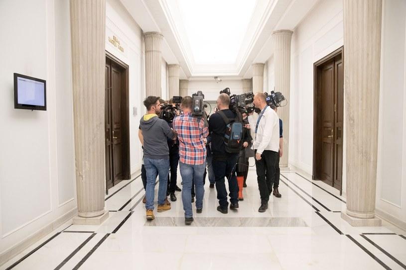 Obóz rządzący nie życzy sobie dziennikarzy w Sejmie /Adam Zwart /Reporter