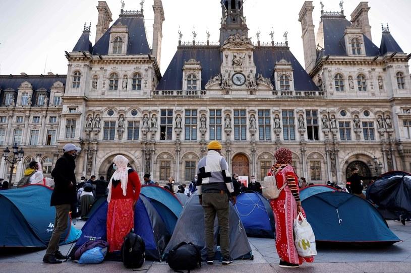 Obozowisko przed paryskim ratuszem /THOMAS COEX /AFP