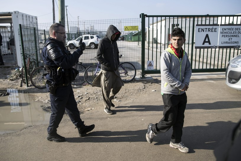 Obozowisko w Calais /ETIENNE LAURENT /PAP/EPA