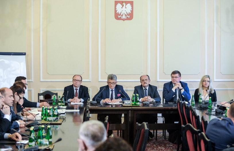Obrady komisji /Marcin Obara /PAP