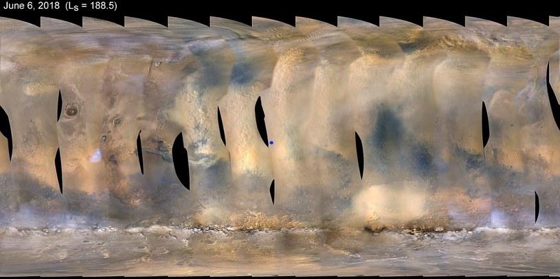 Obraz burzy pyłowej na Marsie, uzyskany za pomocą instrumentu MARCI sondy MRO - początek czerwca 2018. Niebieska kropka  to Opportunity /NASA