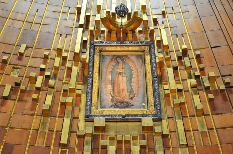 Obraz Matka Bożej z Guadalupe można zobaczyć w świątyni wybudowanej na miejscu objawień /123RF/PICSEL