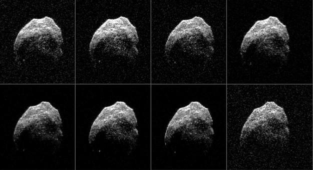 Obraz planetoidy zarejestrowany w chwili, gdy była od 690 do 710 tysięcy kilometrów od Ziemi. /NASA/JPL-Caltech/GSSR/NRAO/AUI/NSF /materiały prasowe