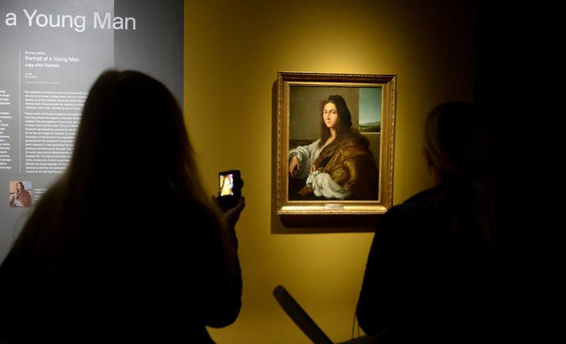 """Obraz Rafaela """"Portret młodzieńca"""" (na zdjęciu XVI-wieczna kopia dzieła) jest niewątpliwie największą stratą wojenną, jaką poniosło polskie muzealnictwo /Jan Bielecki /East News"""