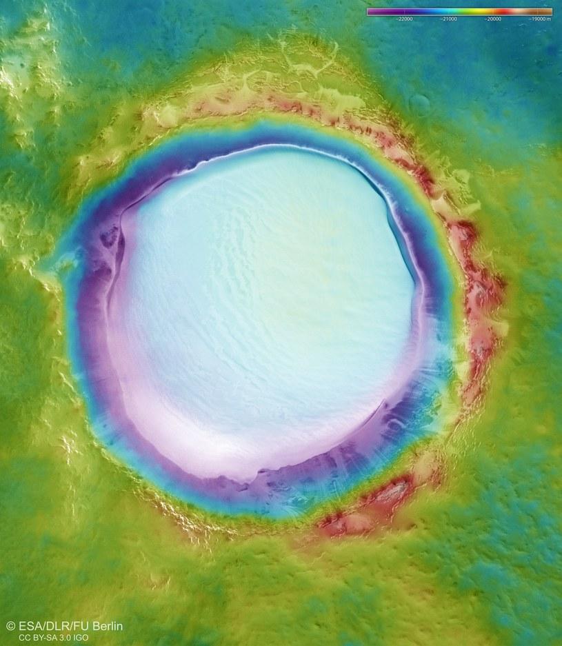 Obraz topograficzny krateru Koroleva /materiały prasowe