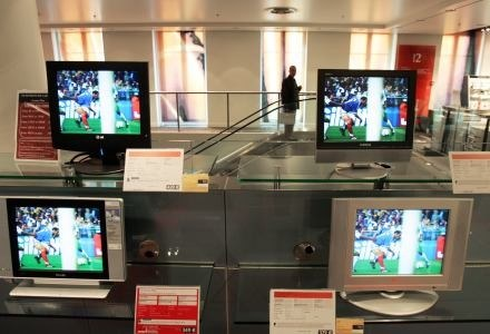 Obraz w jakości HD - za to Polacy najbardziej cenią telewizję cyfrową /AFP