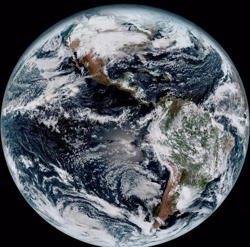 Obraz zachodniej półkuli Ziemi z 15 stycznia 2017 roku /materiały prasowe