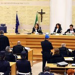 Obrona sprawcy napaści w Rimini chce jego uniewinnienia