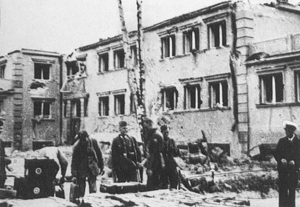 Obrona Westerplatte, koszary po zbombardowaniu