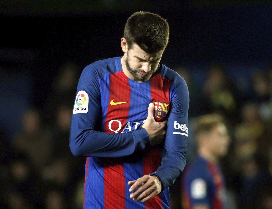 Obrońca FC Barcelony Gerard Pique /JUAN CARLOS CARDENAS /PAP/EPA