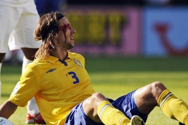 Obrońca IFK Goeteborg Mattias Bjarsmyr w koszulce reprezentacji Szwecji /AFP