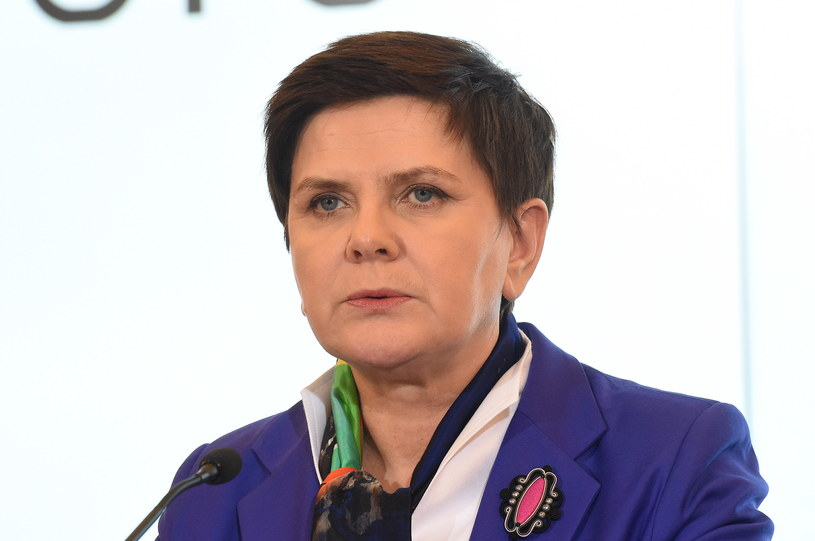 Obrońca kierowcy seicento weźmie udział w przesłuchaniu premier Beaty Szydło /Radek Pietruszka /PAP