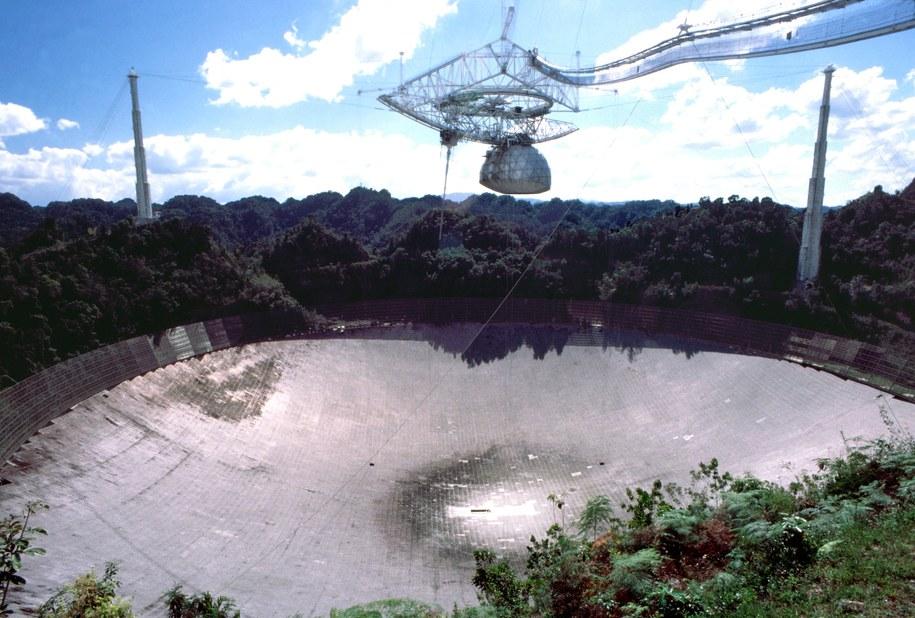 Obserwatorium Arecibo w Portoryko przed uszkodzeniem / Norman Barrett /PAP/Alamy