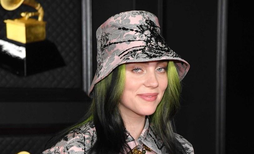 Obserwując Billie Eilish,  amerykańską piosenkarkę i autorkę tekstów, doskonale można zorientować się w modzie generacji Z /Getty Images