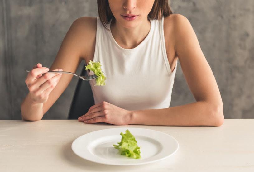 Obsesja żywieniowa /©123RF/PICSEL