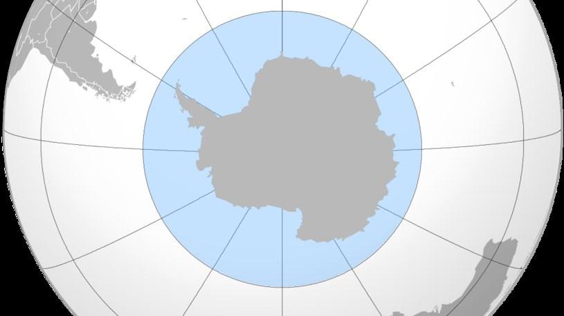 Obszar Antarktyki to Antarktyda wraz z okolicznymi wodami i lodowymi wyspami /Wikimedia Commons /materiały prasowe