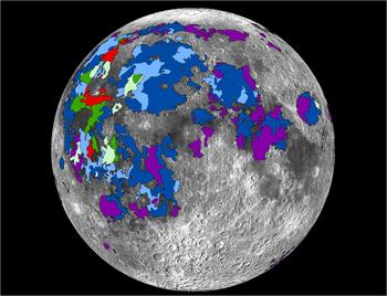 Obszary lawy, które emitowały gazy, na widocznej stronie Księżyca /Debra Needham /Materiały prasowe