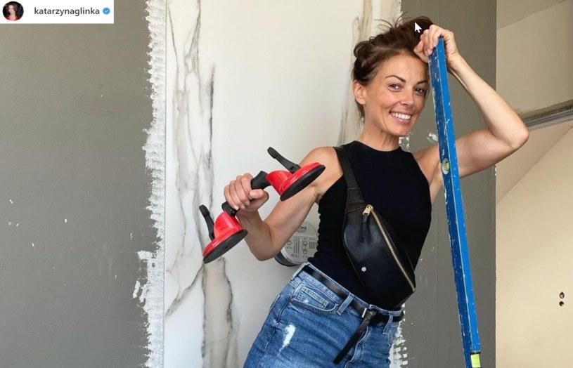 Obszerna relacja z budowy domu, nie spodobała się wszystkim internautą. Aktorka padała ofiarą hejtu /Instagram