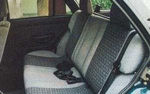 Obszerne wnętrze wygodnie pomieści z tyłu pasażerów, nawet gdy fotele z przodu są mocno odsunięte. /Motor