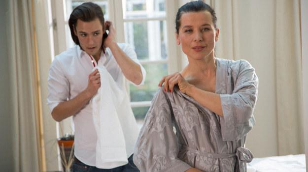 Oby tylko Kornelia poza masażem nie oczekiwała od Bartka innych usług... /Agencja W. Impact