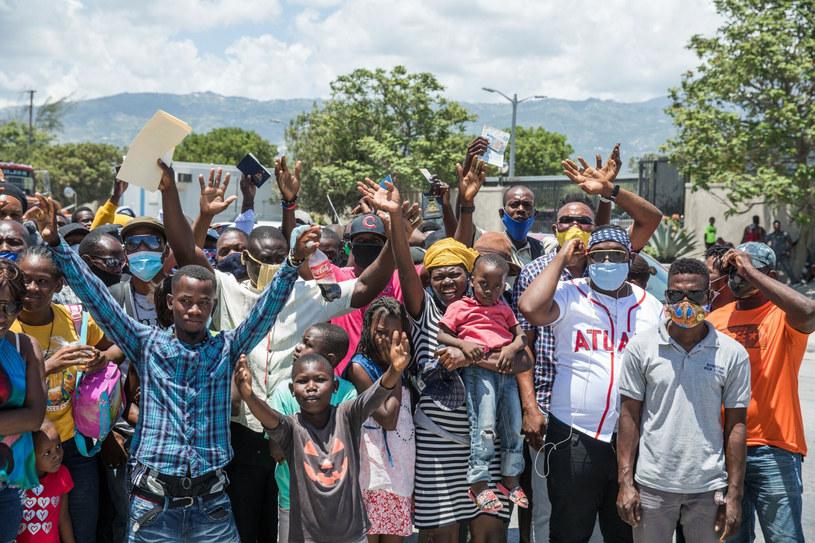 Obywatele Haiti przed ambasadą USA proszący o azyl po tym, jak w ich kraju zamordowano prezydenta /VALERIE BAERISWYL/AFP /East News