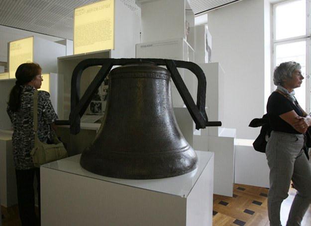 Ocalały z katastrofy dzwon z Gustloffa /AFP