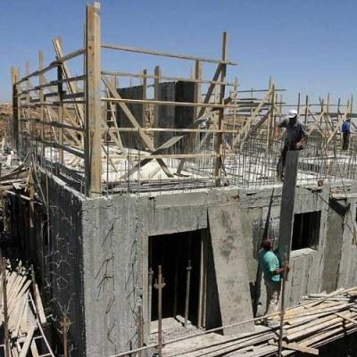 Oceny ogólnego klimatu koniunktury w budownictwie są w marcu negatywne /AFP