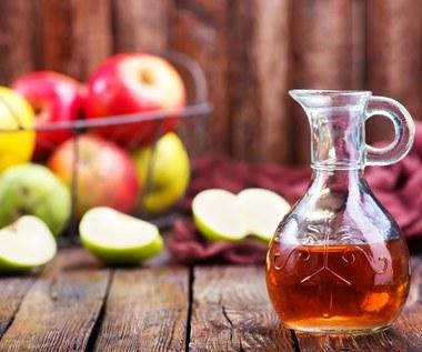 Ocet jabłkowy i jego zbawienny wpływ na skórę
