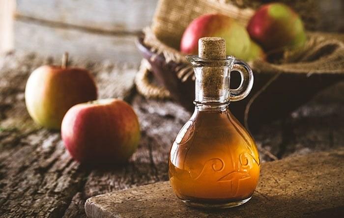ocet jabłkowy obrzęk nóg /© Photogenica