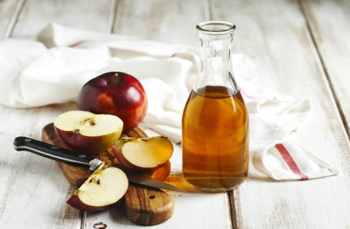 ocet jabłkowy ukąszenia pcheł /© Photogenica