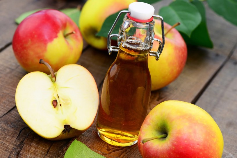 Ocet jabłkowy w alergii /© Photogenica