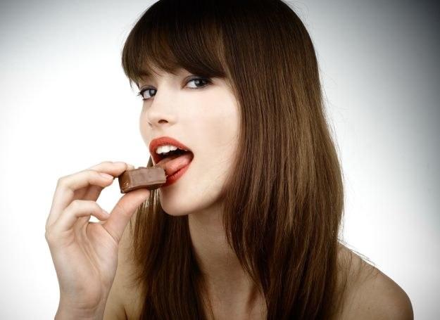 Ochota na słodycze może być symptomem choroby /123RF/PICSEL