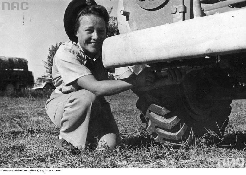 Ochotniczka Pomocniczej Służby Kobiet w 2. Korpusie Polskim we Włoszech /Z archiwum Narodowego Archiwum Cyfrowego