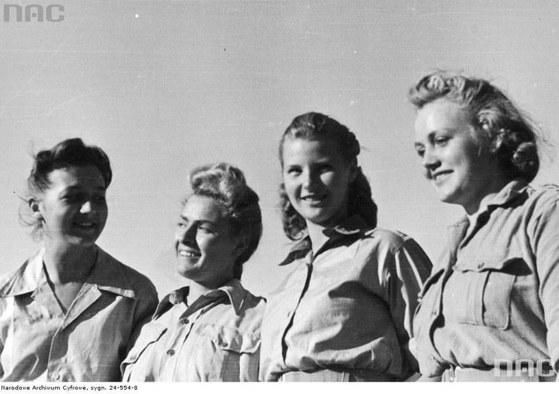 Ochotniczki Pomocniczej Służby Kobiet przy 2. Korpusie Polskim /Z archiwum Narodowego Archiwum Cyfrowego