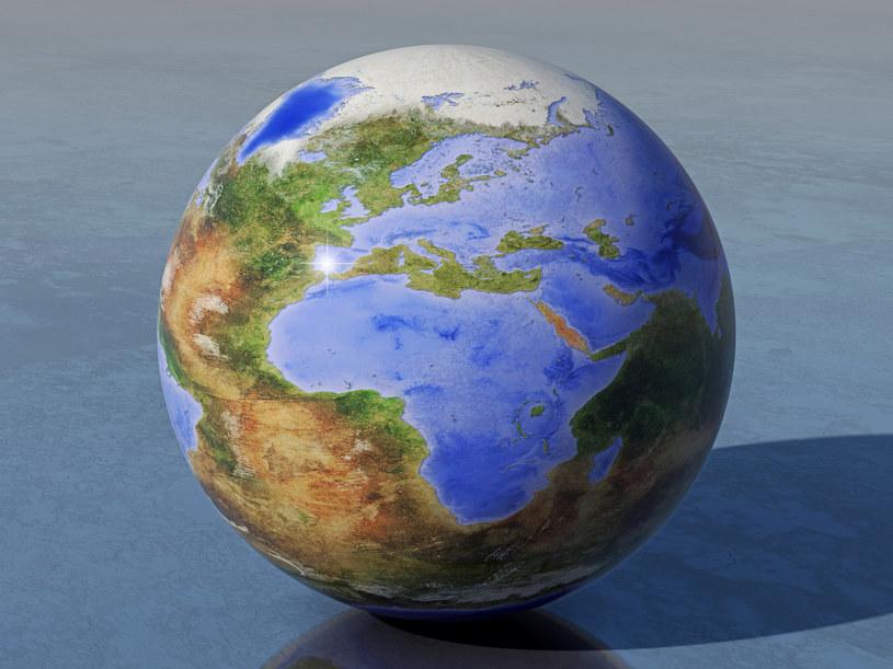 Ocieplenie oceanów będzie miała katastrofalne skutki /123RF/PICSEL