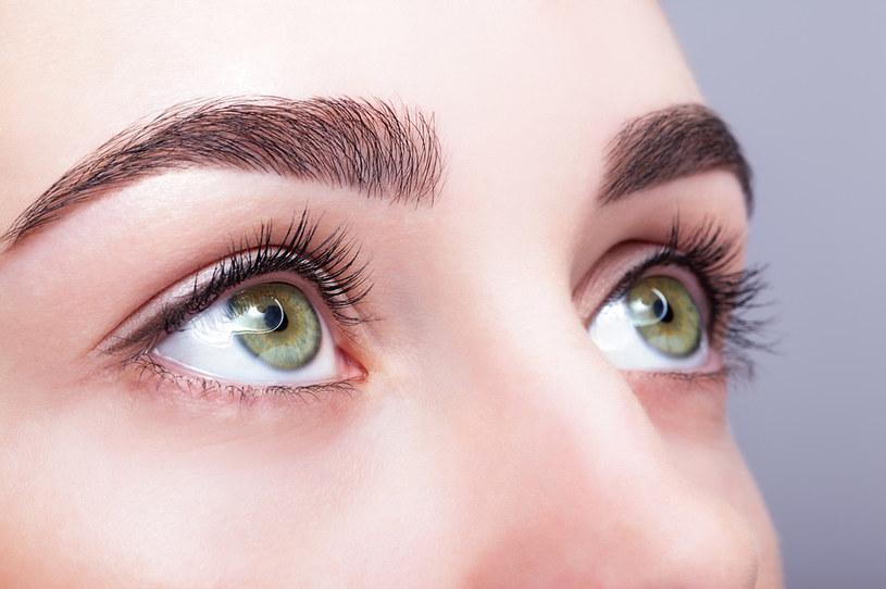 Oczy można rozjaśnić za pomocą programu graficznego /123RF/PICSEL