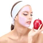 Oczyszczająca maska z jabłkiem na twarz