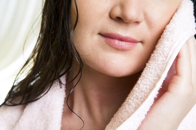 Oczyszczanie skóry /© Photogenica