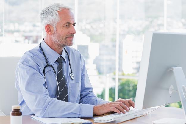 Od 1 grudnia lekarze wystawiają tylko e-zwolnienia /©123RF/PICSEL