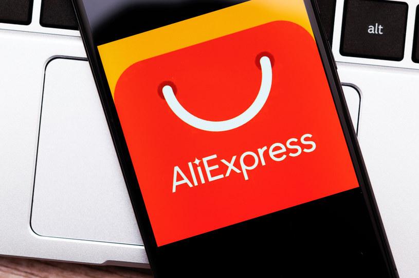Od 1 lipca produkty o wartości 22 euro z takich sklepów jak AliExpress są objęte VAT-em i cłem /123RF/PICSEL