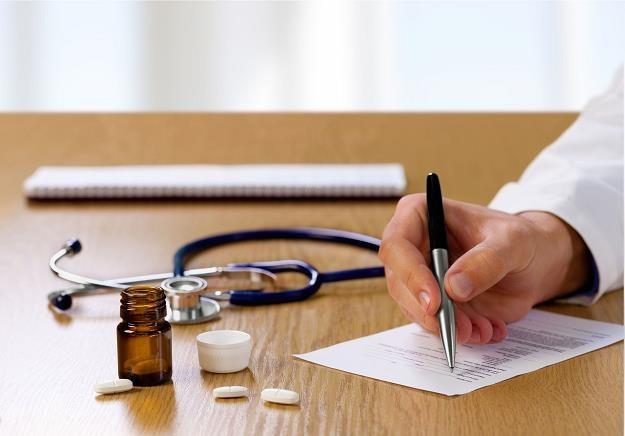 Od 1 lipca znikną papierowe zwolnienia lekarskie /©123RF/PICSEL